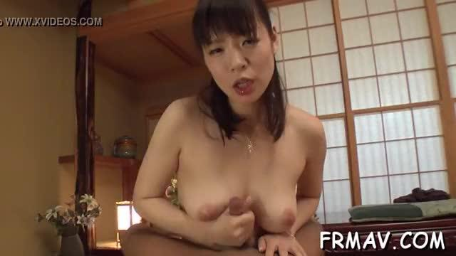 Japanese darling gives electrifying oral-sex
